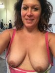 Melissa took this selfie to wish all of you a happy Sunday and hope that yo...