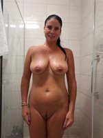 Its lonely in here on my own, come & jump on in the shower here with me & w...